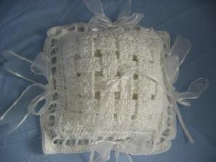 Woven ring pillow