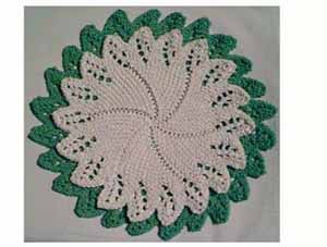 Circular Facecloth With Lace Edging
