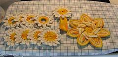 Daisy or Sunflower Kitchen Set